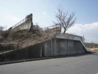 中途半端な陸橋