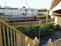 電車と併走する歩道