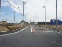 米野木駅の北側にある新しい交差点東向き