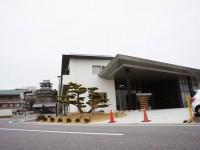 岩崎公民館と岩崎城