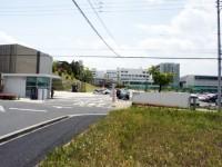 淑徳大学の裏門