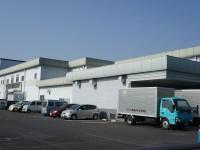 給食センターのトラック