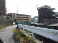 日進市との境目の川