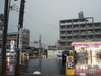 大雨の浅田の交差点