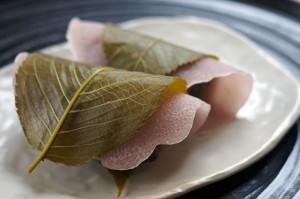 マクロビオティック|レーズンあんで作る桜餅